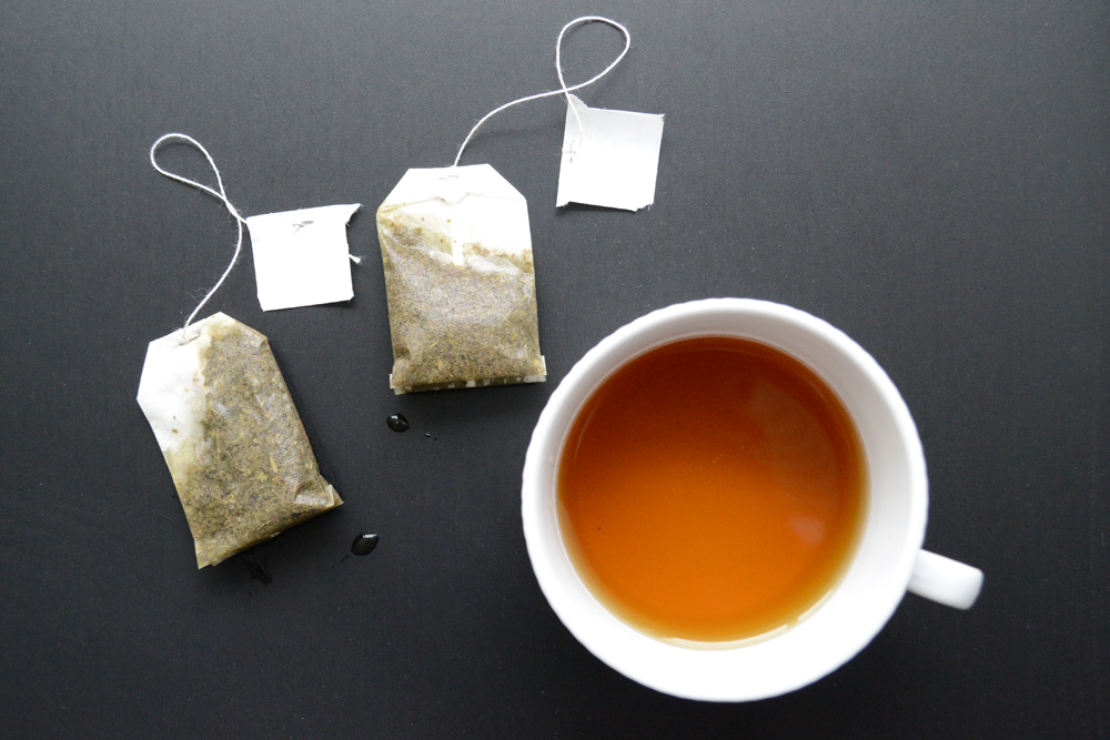 Home remedy for dark circles under eyes - used tea bags are a great way to provide caffeine and antioxidants to the under eye area to reduce wrinkles around eyes and reduce dark circles under eyes. This natural homemade beauty remedy can help you look your best.